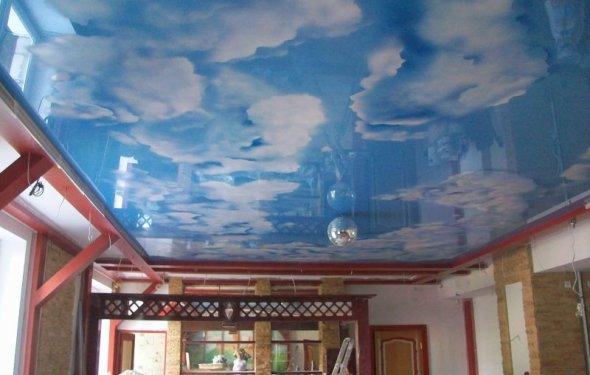 Потолок под небеса довольно